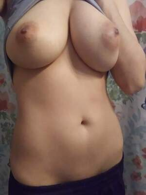 Wanna come fuck my tits?