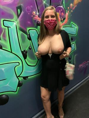 She wanted to pull her amazing tits out after a few drinks