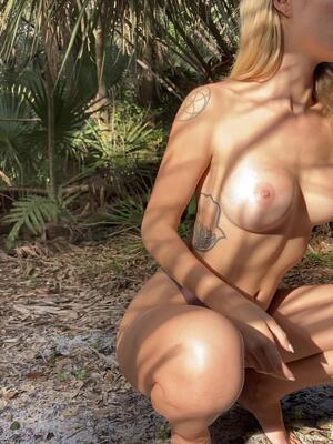 Sucking cock in the park