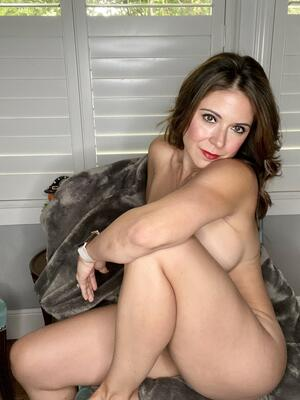 Milf behind closed doors when not out doing mom stuff