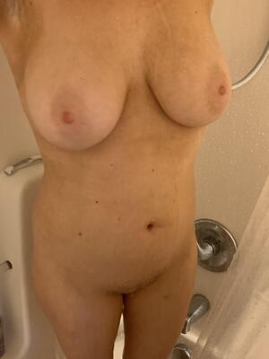 28 yo. Good morning. join me in the shower?