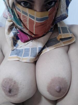 What do you think of my upclose mommy boobs?