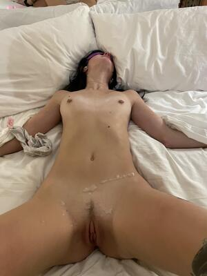 Free Tied to Bed Pics