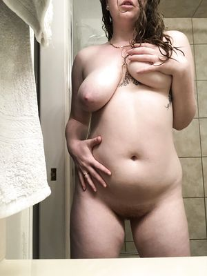 Free Fatty babe With Saggy Tits Pics