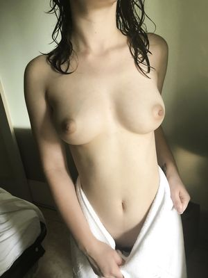 Hot Girlfriend Flashing Amazing Boobs After Shower