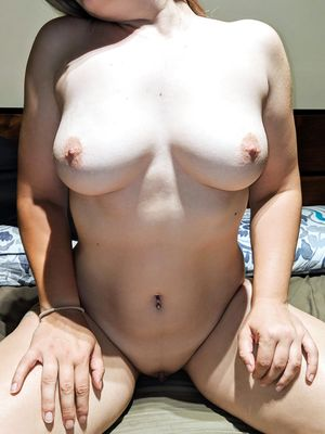 Puffy Nips GrannyPosing Nude in Bed