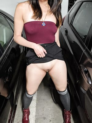 Tee Lifts Up her Skirt in Parking