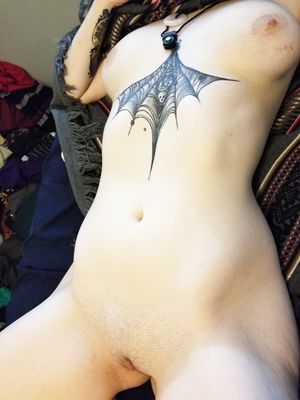 Emo Girl Nude in Bed