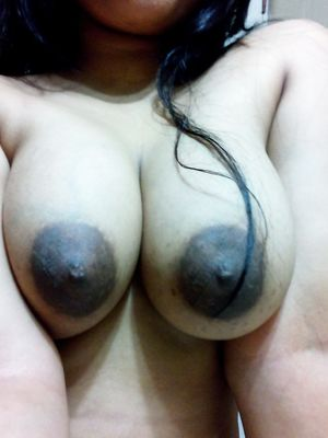 Indian Babe With Big Boobs