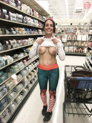 43 yo Mature Flash Tits in Supermarket
