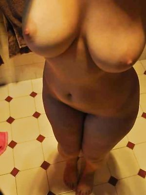 Busty, Natural, gf, posing, tit, Nipple